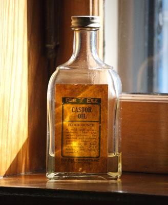 Касторовое масло полезно для волос