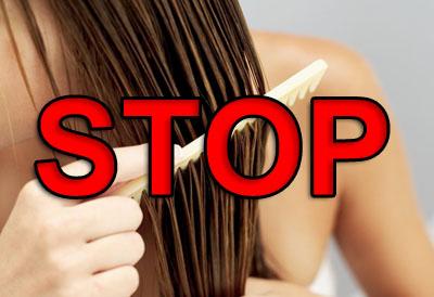 расчесывать мокрые волосы