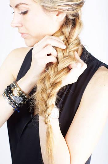 Повседневная прическа на средние волосы