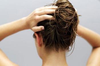 обертывание волос конопляным маслом