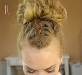 французская коса с гулькой
