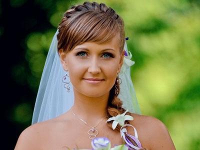 прическа с челкой на свадьбу 2