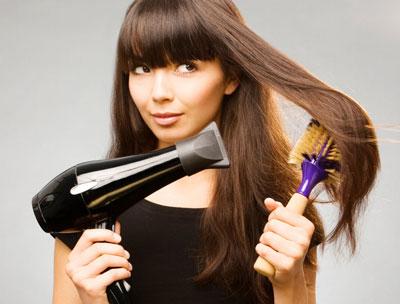 выпрямление волос с помощью фена